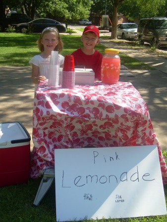 Claire's Bear and Lemonade Stand 007